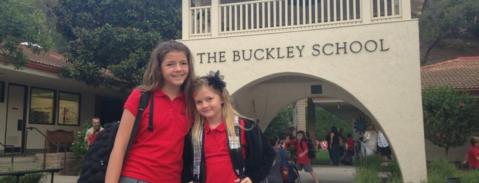The Buckley School is one of Orte, die Melissa gefallen.