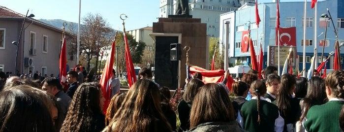 Atatürk Anıt Meydanı is one of Sinem 님이 좋아한 장소.