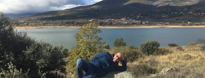 Embalse de Pinilla is one of Valle del Lozoya.