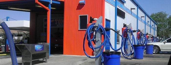 Tommy Terrific's Carwash is one of Lugares favoritos de Tre.