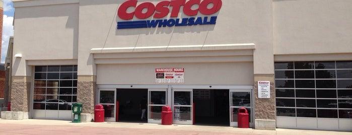 Costco is one of Orte, die Anoosh gefallen.