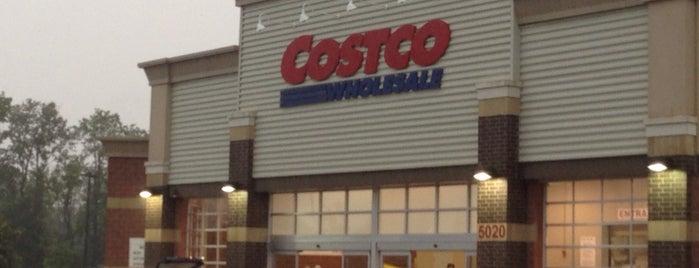 Costco is one of Locais curtidos por Cicely.