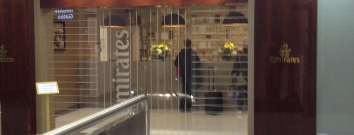 Emirates Lounge is one of Orte, die Vi gefallen.