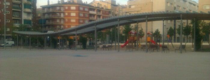 Plaça del Primer de Maig is one of Lugares favoritos de Ivan.