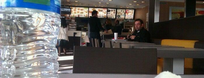 McDonald's is one of Lugares favoritos de Ivan.