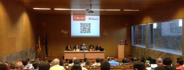 Centre cultural la Petxina is one of Conferencias / Debates.
