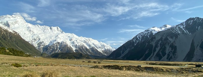 Mount Cook National Park is one of Matt'ın Kaydettiği Mekanlar.