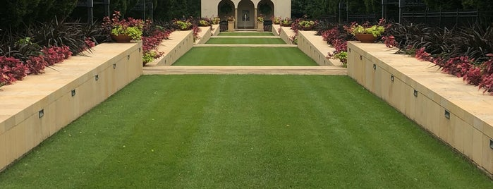 Philbrook Gardens is one of Locais curtidos por IrmaZandl.