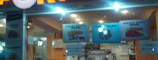 Portakal Cafe is one of Posti salvati di Fulya.