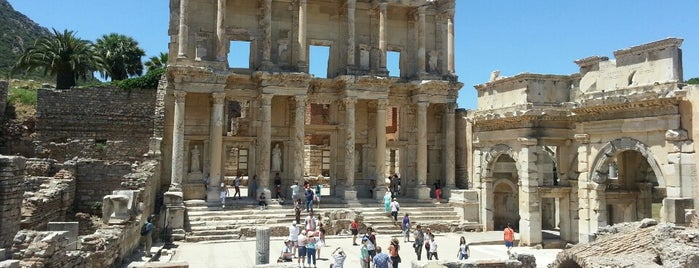 Éphèse is one of Gezilecek Yerler ve Müzeler.