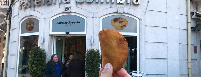 Pastelaria Coimbra is one of Lieux qui ont plu à Joao.