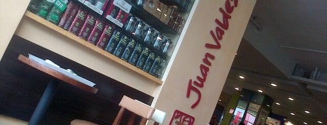 Juan Valdez Café is one of Locais curtidos por Evandro.