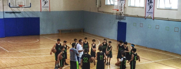 Caan Basketball Academy is one of Korhan 님이 좋아한 장소.