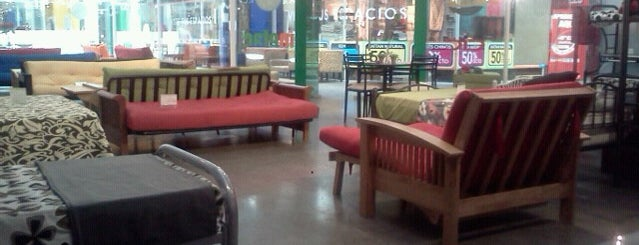 Mueble Center Huechuraba is one of Muebles y deco.
