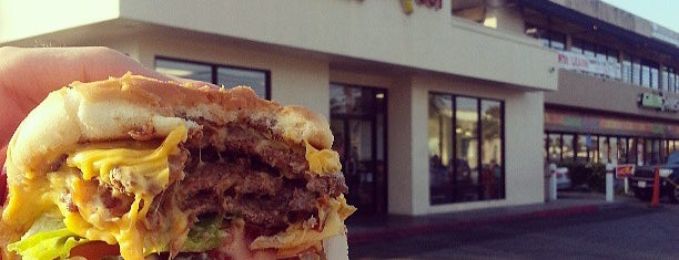 In-N-Out Burger is one of Gespeicherte Orte von L.