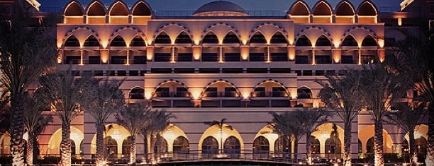 Jumeirah Zabeel Saray is one of Krzysztof 님이 좋아한 장소.