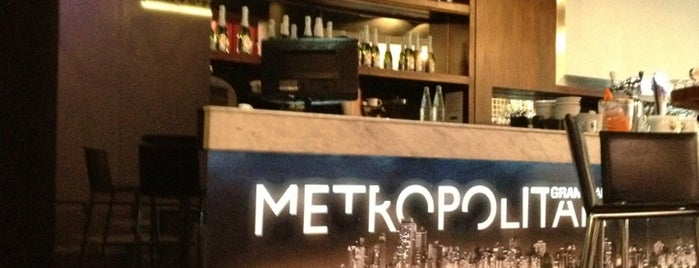 Metropolitan GrandBar is one of Mis Lugares habituales!.