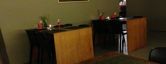Hocho Sushi Bar is one of Alexandra : понравившиеся места.