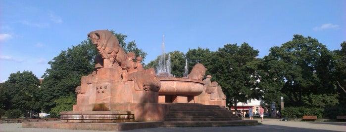 Brunnen der Fruchtbarkeit (Stierbrunnen) is one of Berlin unsorted.