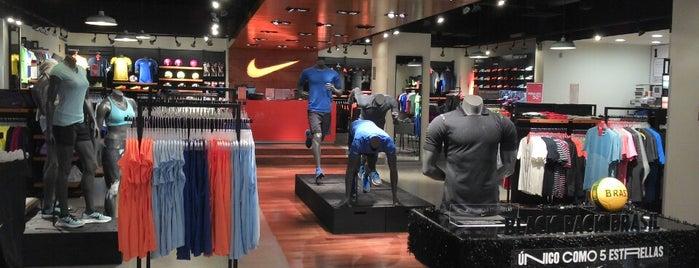Nike Store is one of Locais curtidos por Gerard.