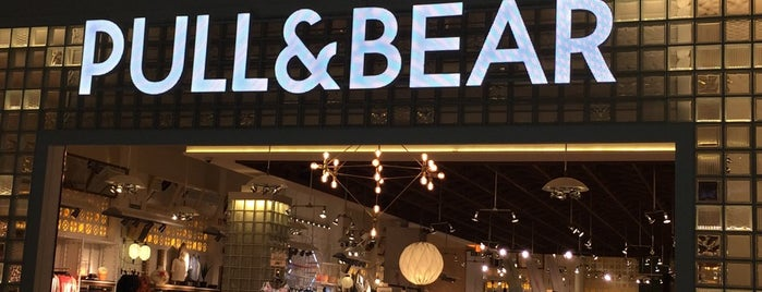 Pull & Bear is one of Locais curtidos por Fernanda.