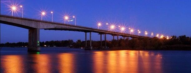 Ворошиловский мост is one of Ростов планы на проживание ))).