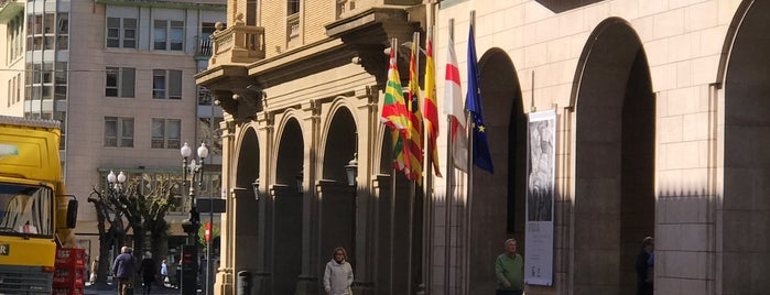 Flor De Huesca is one of Huesca.