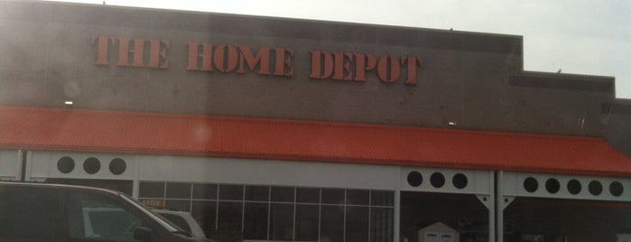 The Home Depot is one of Lieux qui ont plu à Catie.