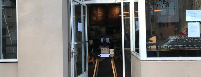 Rise & Grind is one of SF coffee shops.