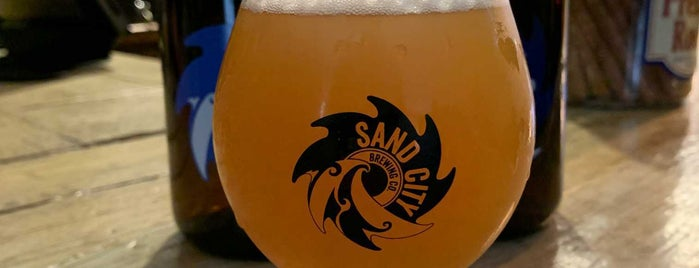 Sand City Brewing Company is one of Mike'nin Kaydettiği Mekanlar.