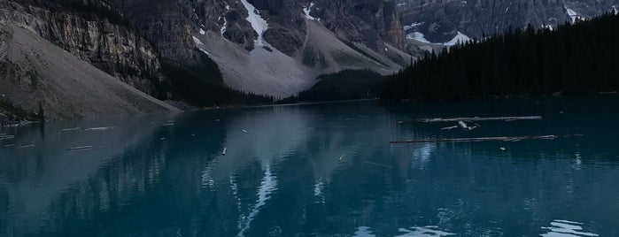 Moraine Lake Lodge is one of Orte, die Adriane gefallen.