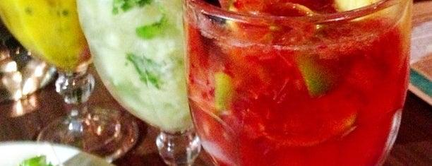 Boteco Praia is one of Bons drink!.