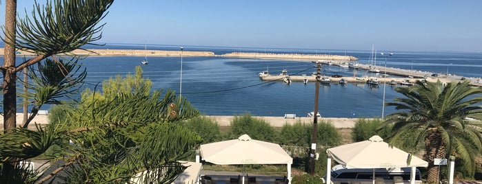 Kyparissia Beach Hotel is one of Lugares favoritos de Αlexandra.