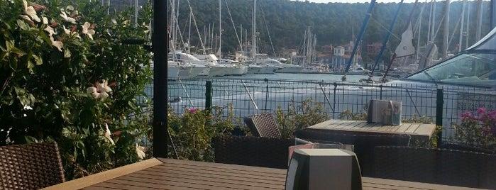 Marina Cafe is one of Boyalık.