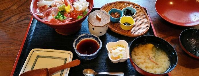 おか田 is one of Locais curtidos por Tora.
