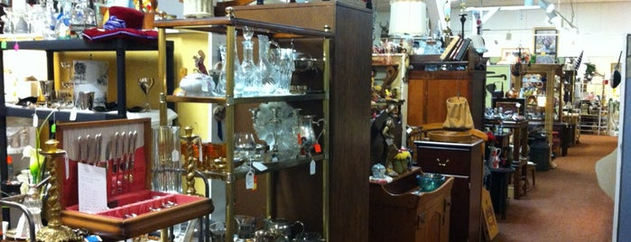 Cobb Antique Mall is one of The Chad.