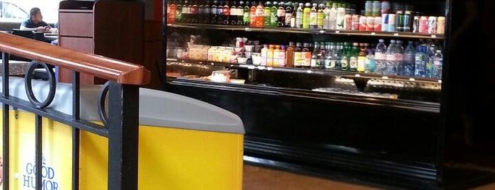 Cafe Phillips is one of สถานที่ที่ Jared ถูกใจ.