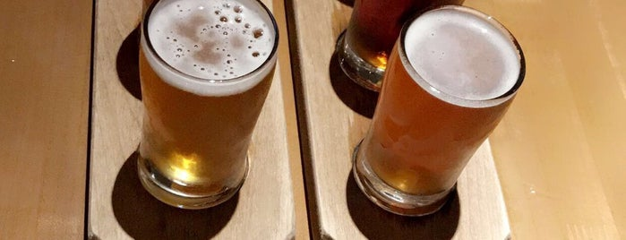 Hop Social Tavern is one of Phx Try.