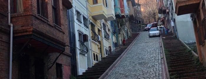 Balat is one of İstanbul'un Semtleri.