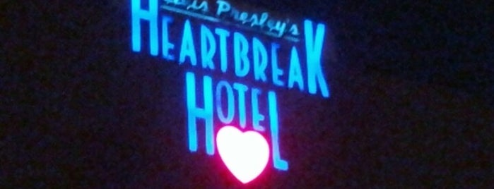 Elvis Presley's Heartbreak Hotel is one of Fernandoさんのお気に入りスポット.