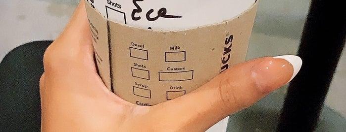 Starbucks is one of Tempat yang Disukai Tuba.