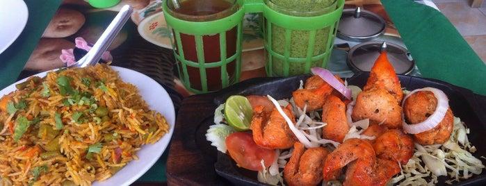 Akbar Indian & Thai Food Restaurant is one of Locais curtidos por Rinat.