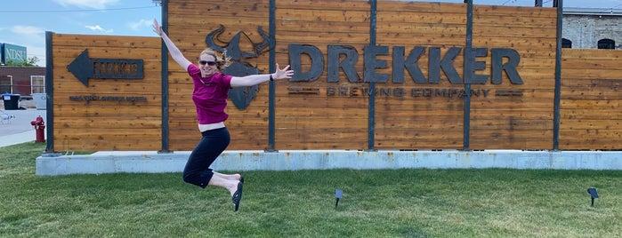 Drekker Brewing Company is one of Locais curtidos por Emily.