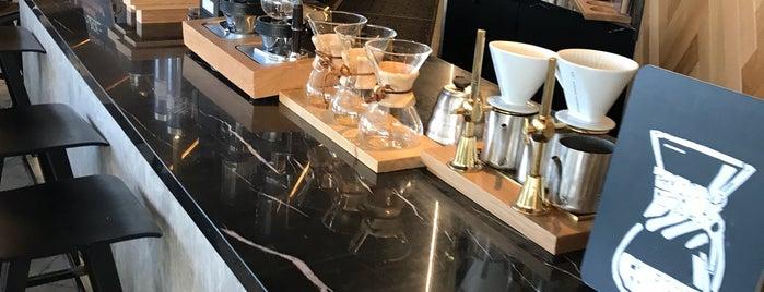 Starbucks is one of Sim : понравившиеся места.