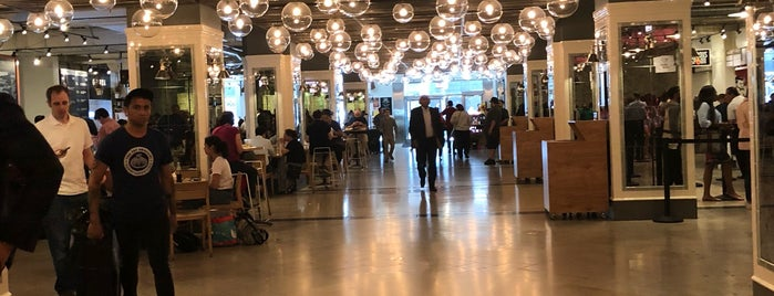 Revival Food Hall is one of Posti che sono piaciuti a Olimpia.