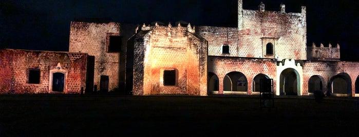 Videomapping Convento De San Bernardino is one of Lugares favoritos de Denis.