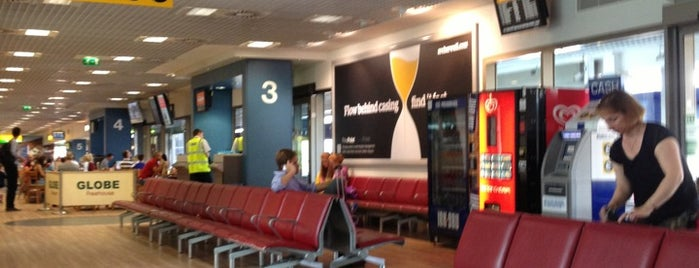 Aeroporto internazionale di Aberdeen (ABZ) is one of Leaving on a jet plane....