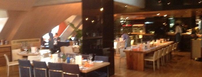 Azul Tapas Lounge is one of Gespeicherte Orte von Maria Grazia.