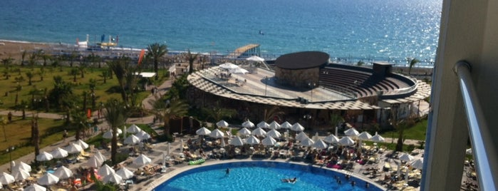 Sea Planet Spa & Resort Otel Beach Bar is one of Antalya.