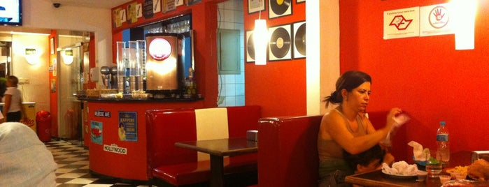 Rockabilly Burger is one of Suさんのお気に入りスポット.